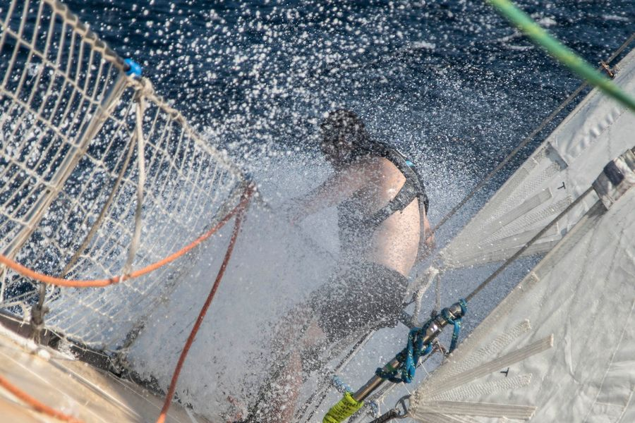 Clipper Race sees strong winds, currents, squalls and relentless short waves