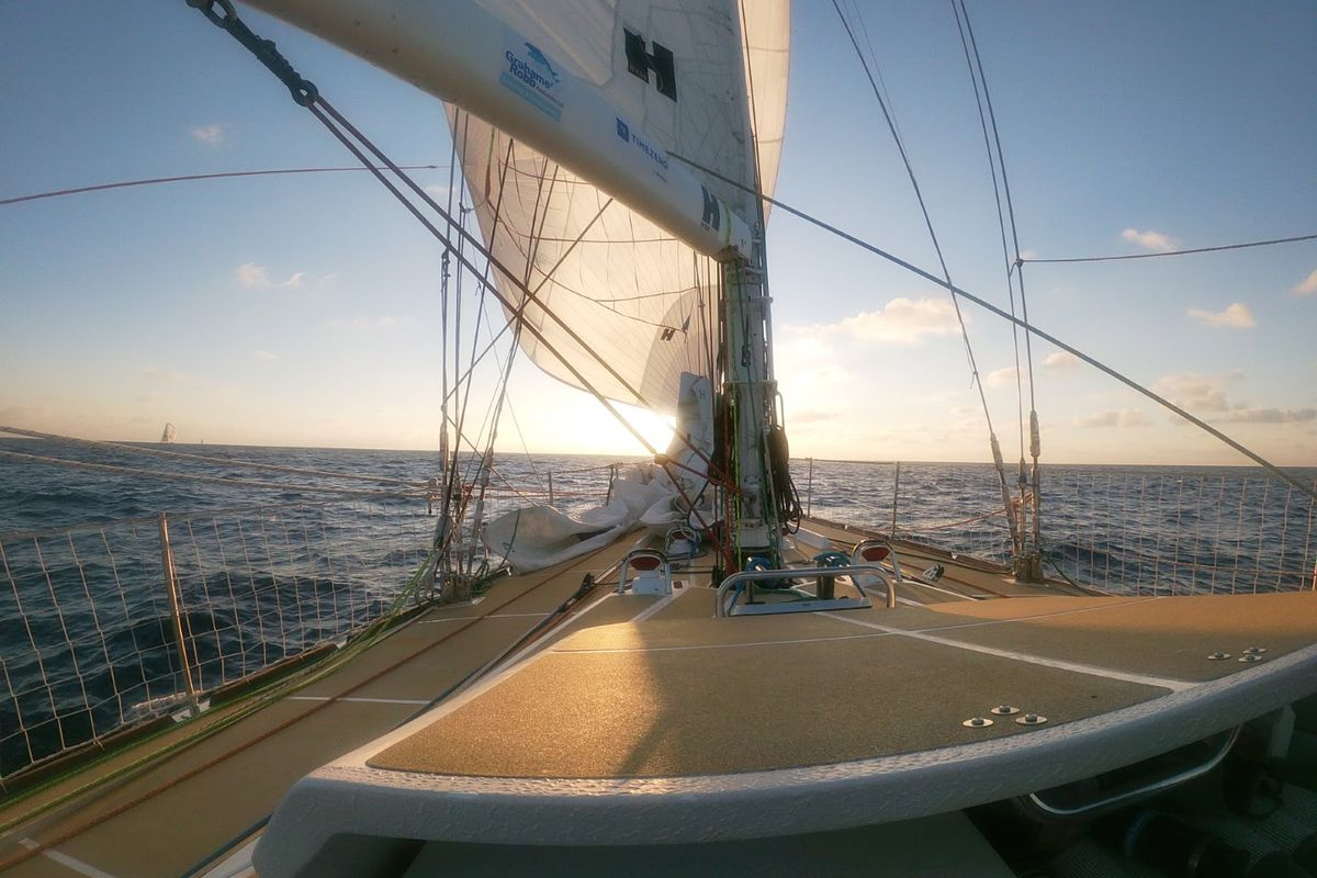 All to play for, less than 25nm separates entire Clipper Race fleet