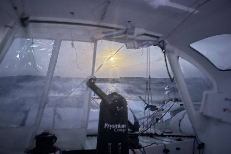 Leaders of the Vendée Globe hit the Big Chill